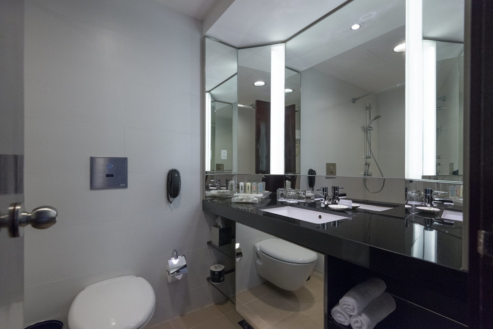 Bathroom  Executive Room - Holiday Inn Singapore Atrium