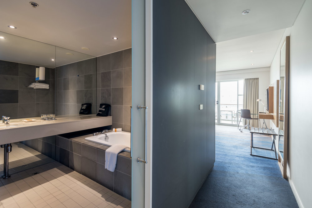 Room Entrance  Deluxe Harbour View Room - Hilton Auckland