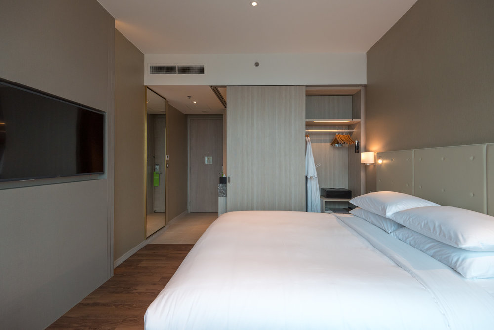 Bedroom  Premier Skyline Room -Courtyard by Marriott Singapore Novena