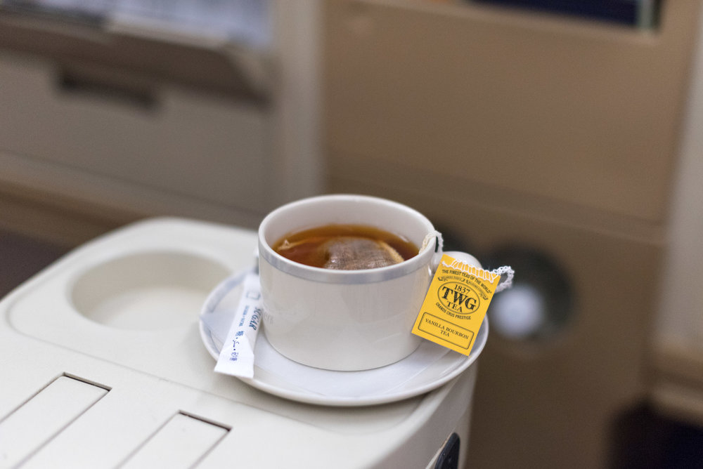 Vanilla Bourbon Tea  Singapore Airlines Business Class SQ947 A330-300 - DPS to SIN