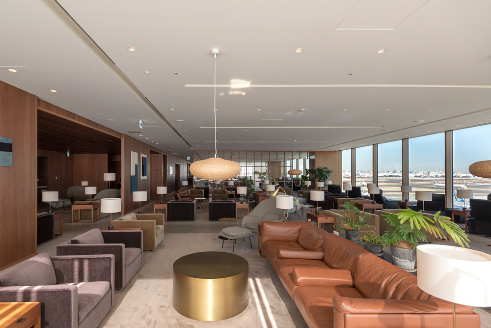 Interiors of the Main Area  Cathay Pacific Lounge - Haneda Airport (HND)