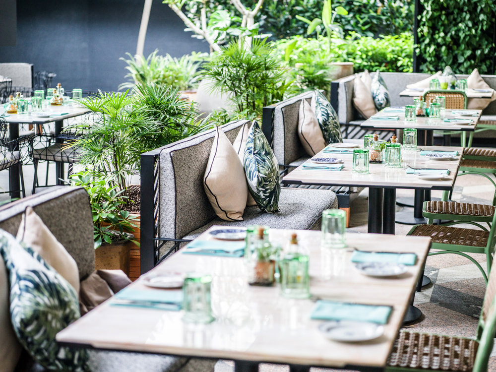 Alfresco Seating Area | Photo Credit: InterContinental Singapore Robertson Quay