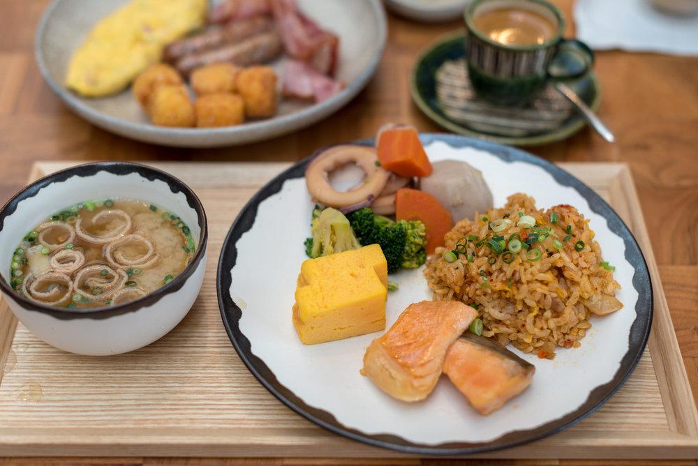 Buffet Breakfast  Andaz Tavern - Andaz Tokyo Toranomon Hills