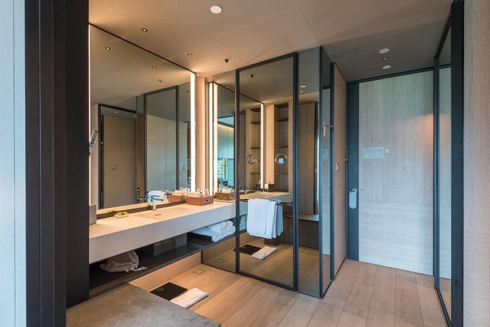Bathroom  Club Riverview Studio King - InterContinental Singapore Robertson Quay
