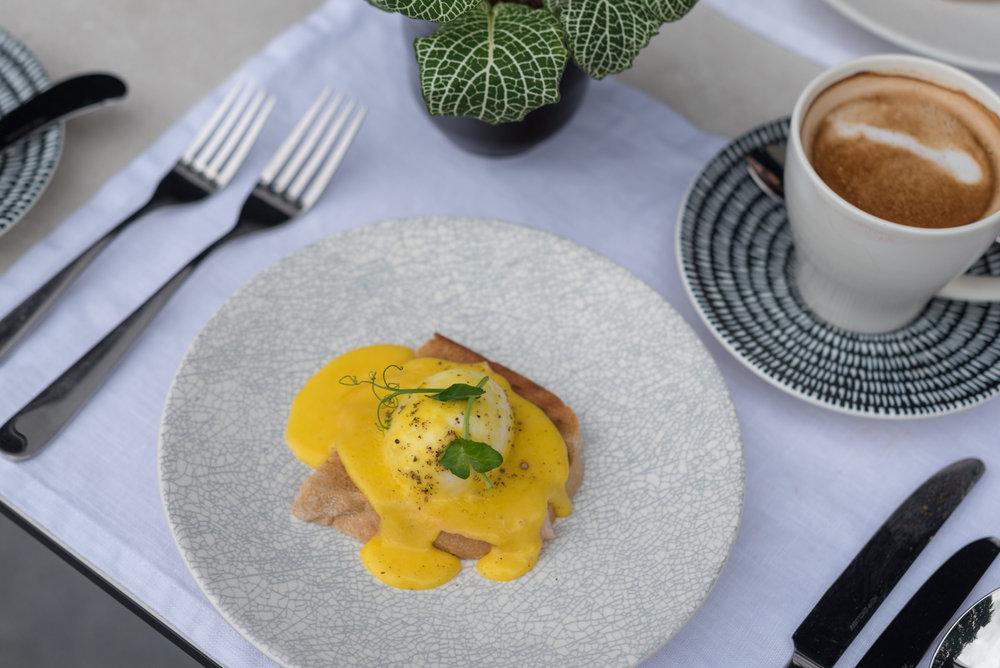 Breakfast  Club InterContinental Lounge - InterContinental Singapore Robertson Quay