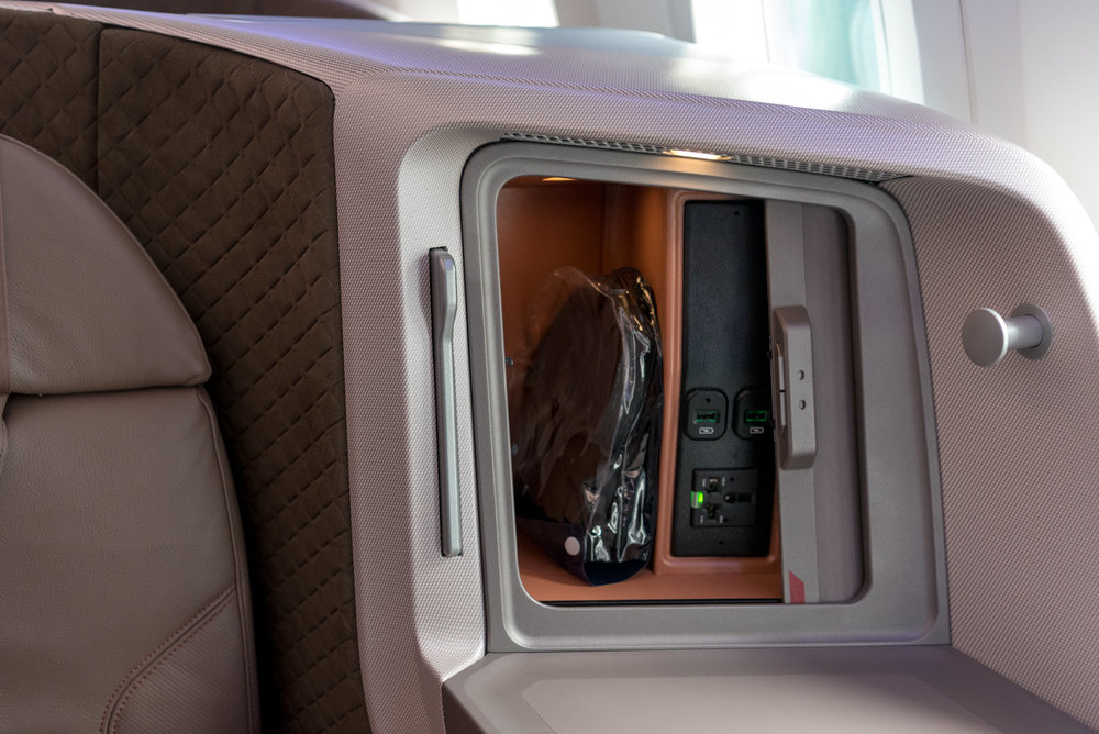 Charging Ports and Stowage Area  New Regional Business Class (2018) - Singapore Airlines