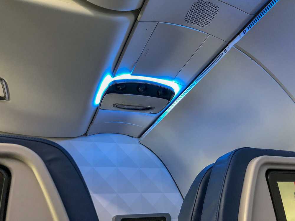 Cabin Lights  Delta Air Lines First Class - MCO to JFK