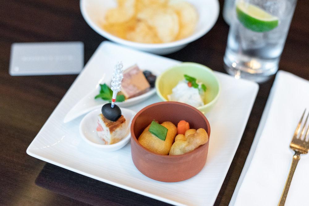 Hot Canapés  Regency Club Lounge - Hyatt Regency Tokyo