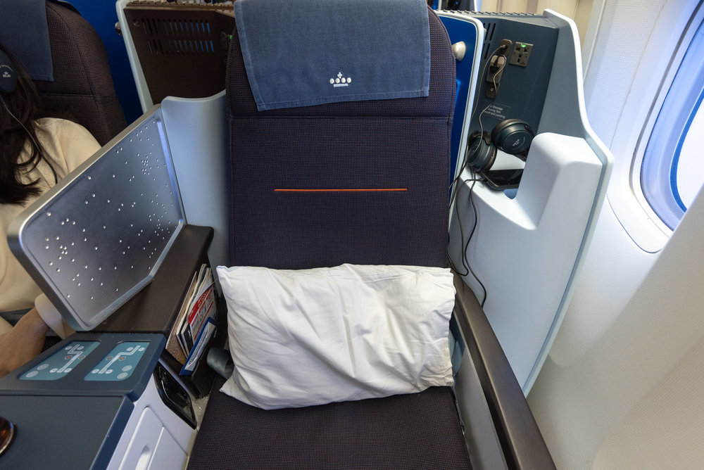 Seat 1A  KLM Business Class KL835 777-300ER - SIN to DPS