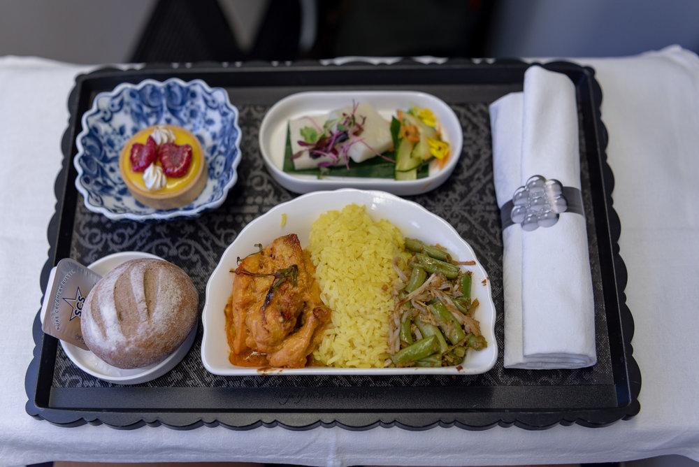Dinner  KLM Business Class KL835 777-300ER - SIN to DPS