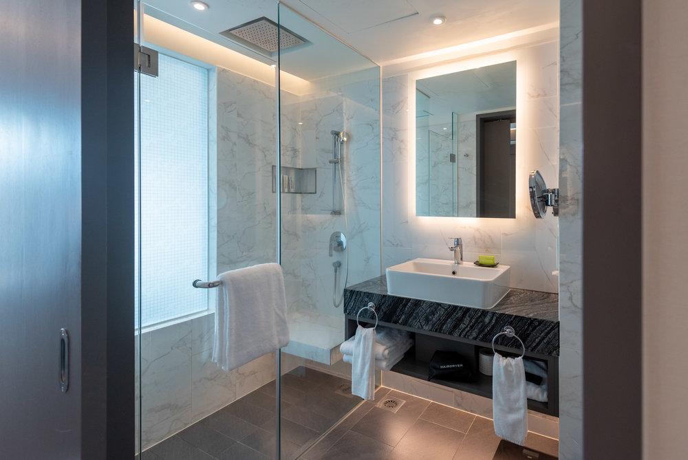 Bathroom  Le Meridien Club Room - Le Meridien Kuala Lumpur