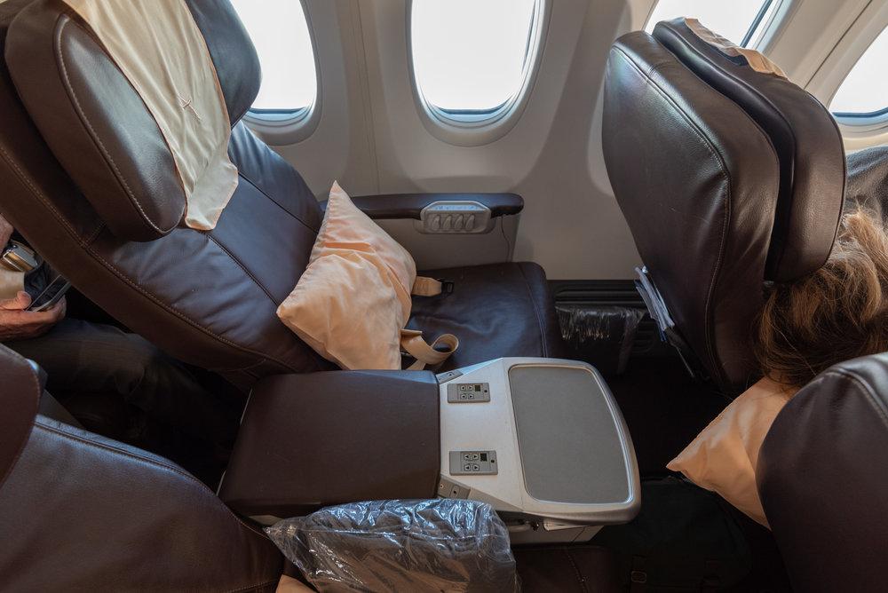 Seat 2A  SilkAir Business Class MI615 737-800 - REP to SIN