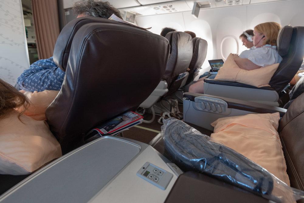 Business Class Cabin  SilkAir Business Class MI615 737-800 - REP to SIN