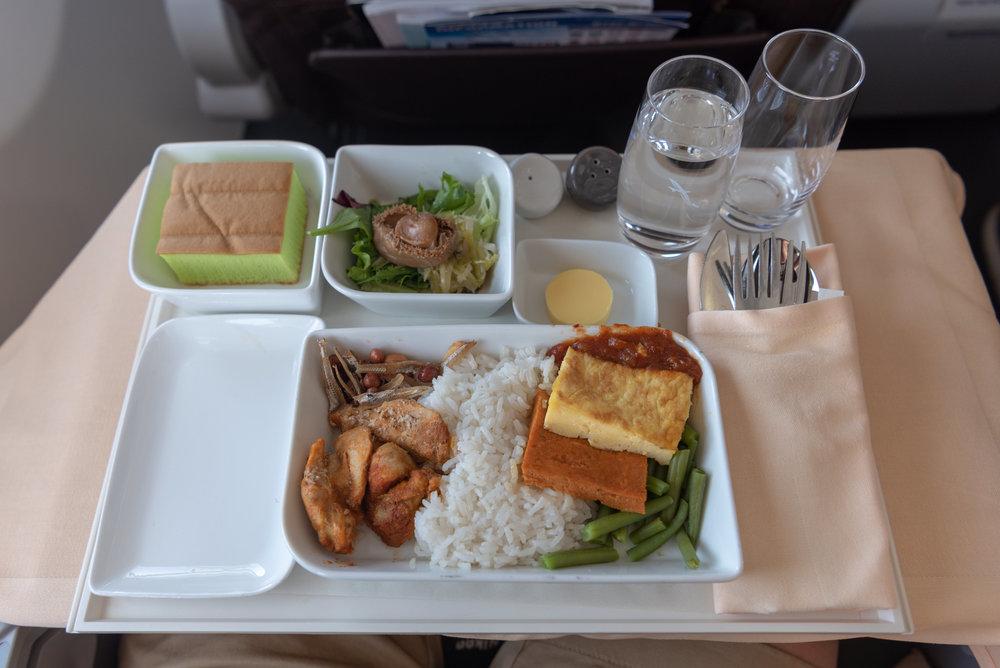 Dinner Service  SilkAir Business Class MI615 737-800 - REP to SIN