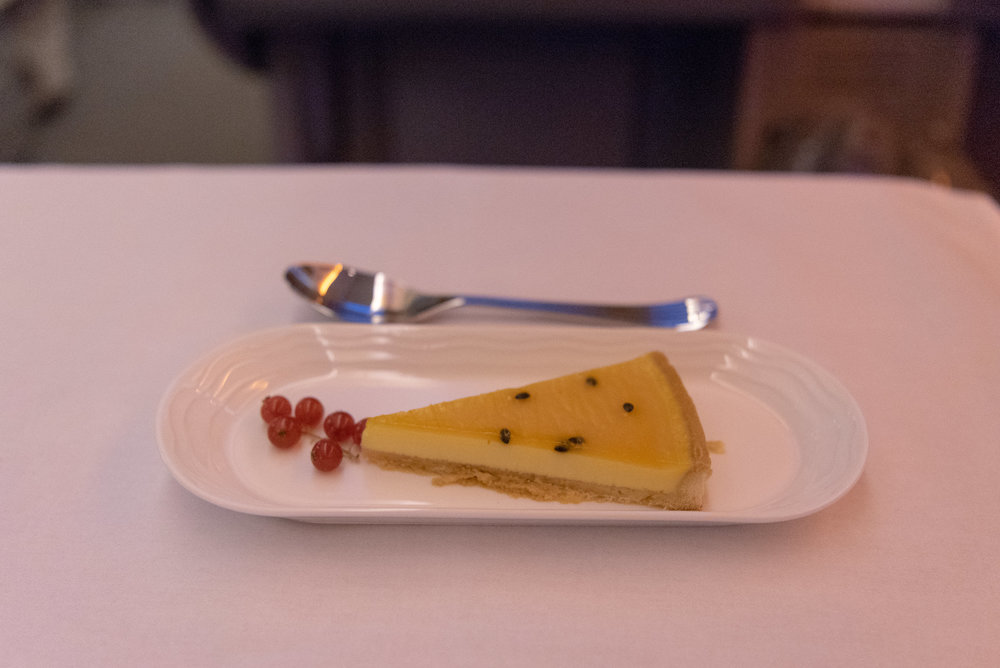 Passionfruit Tart  Emirates EK352 Business Class 777-300ER - DXB to SIN