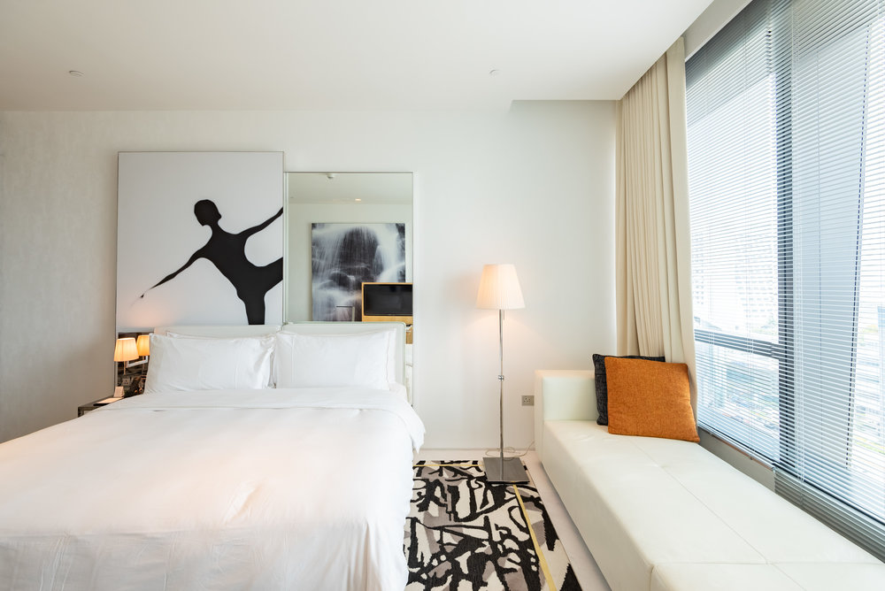 King-size Bed  Premier Marina Bay View Room . JW Marriott Hotel Singapore South Beach