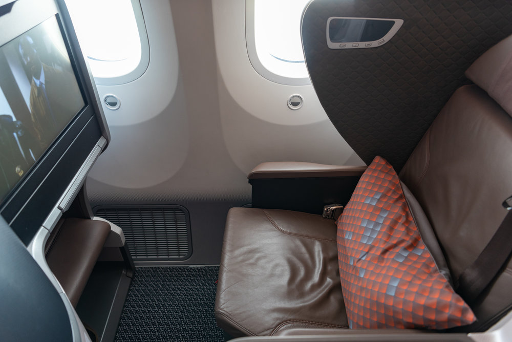 Seat 15K  Singapore Airlines Business Class SQ942 787-10 - SIN to DPS