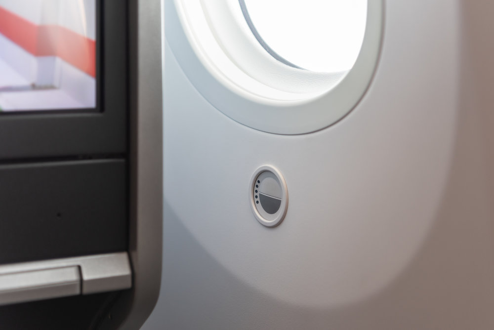Button to Dim Windows  Singapore Airlines Business Class SQ942 787-10 - SIN to DPS