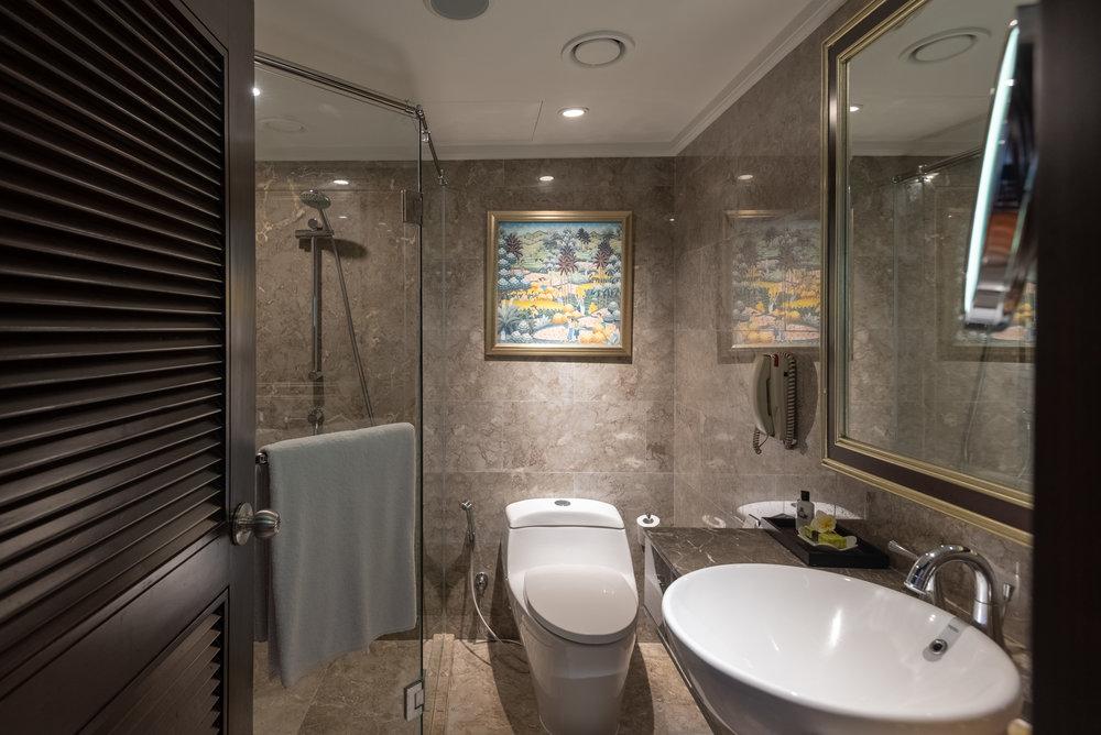 Full Bathroom (Lower Level)  Premium Club InterContinental Duplex Suite - InterContinental Bali Resort