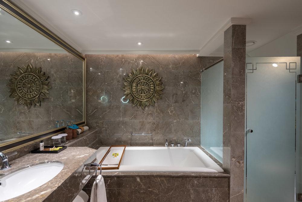 Bathroom (Upper Level)  Premium Club InterContinental Duplex Suite - InterContinental Bali Resort