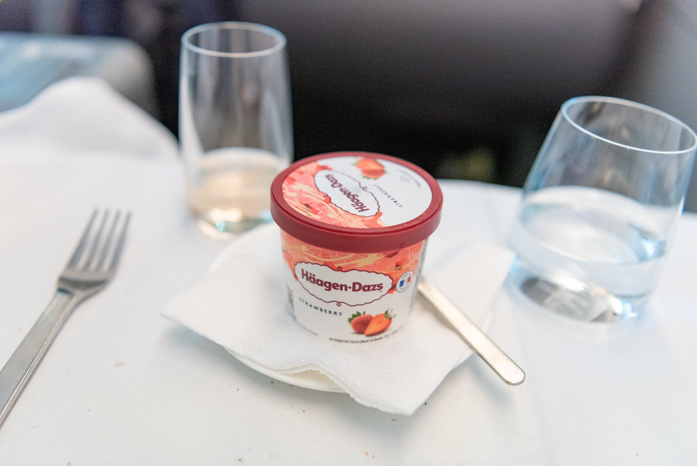 Häagen-Dazs Ice-cream  Qantas Business Class QF36 A380-800 - SIN to MEL