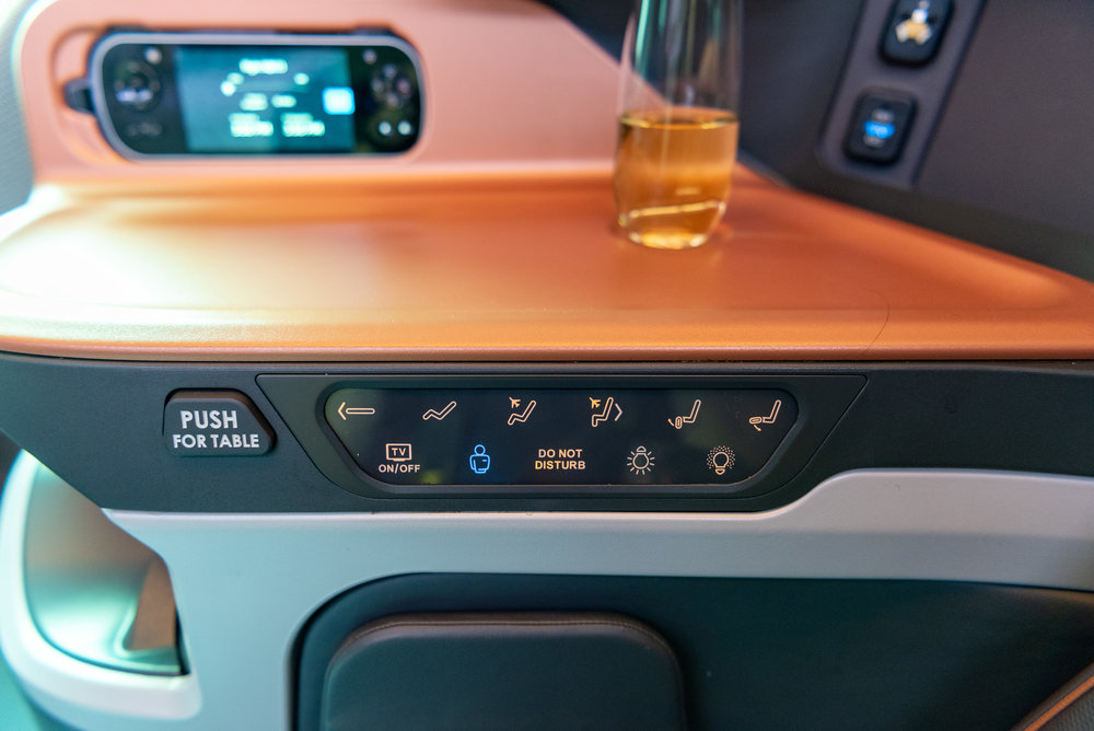 Seat Controls  Singapore Airlines Business Class SQ833 A380-800 - PVG to SIN