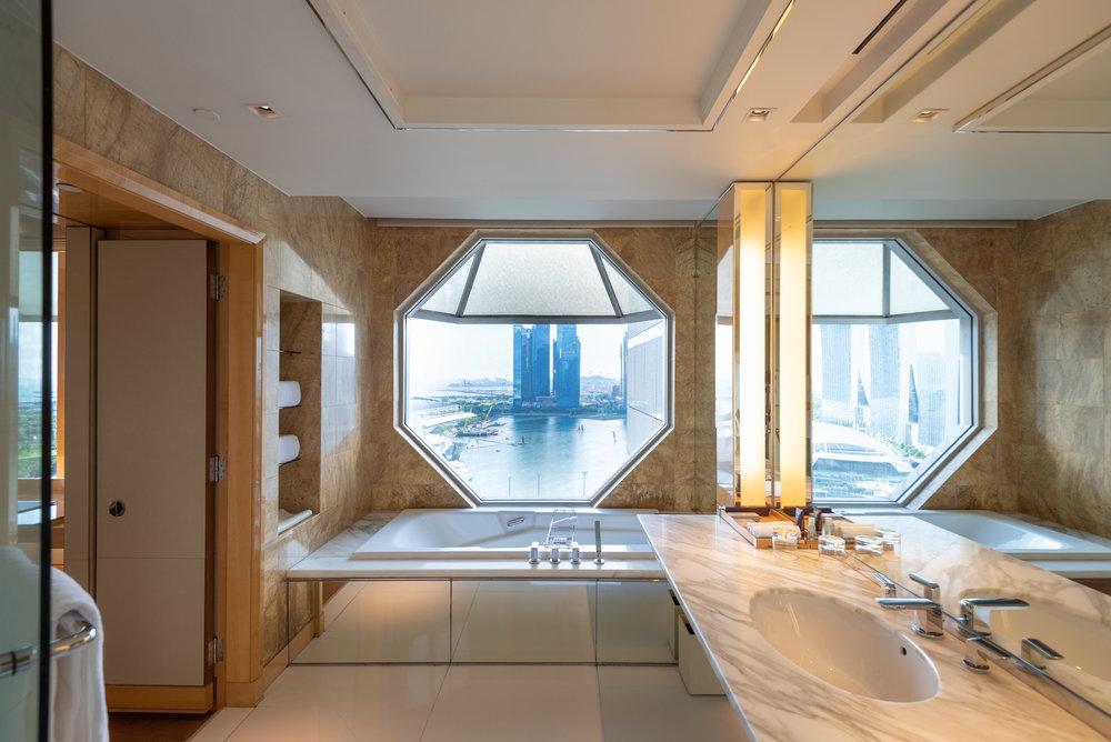 Iconic Bathroom Windows  Club Deluxe Marina Room - The Ritz-Carlton, Millenia Singapore
