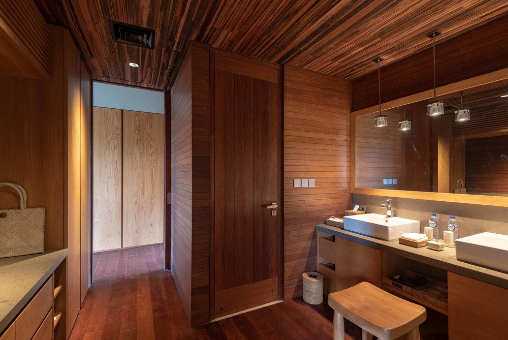 Bathroom   Jalak - HOSHINOYA Bali