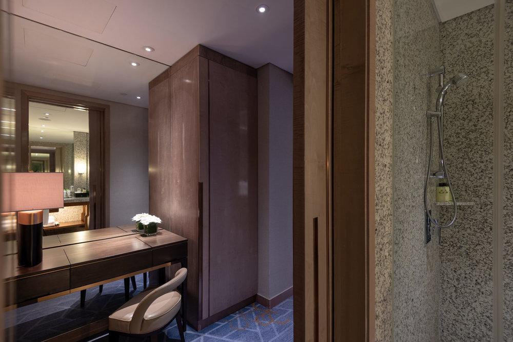 Dressing Table  Royal Suite - InterContinental Hanoi Landmark72