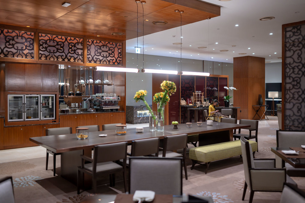 Plenty of Space  Club InterContinental Lounge - InterContinental Hanoi Landmark72