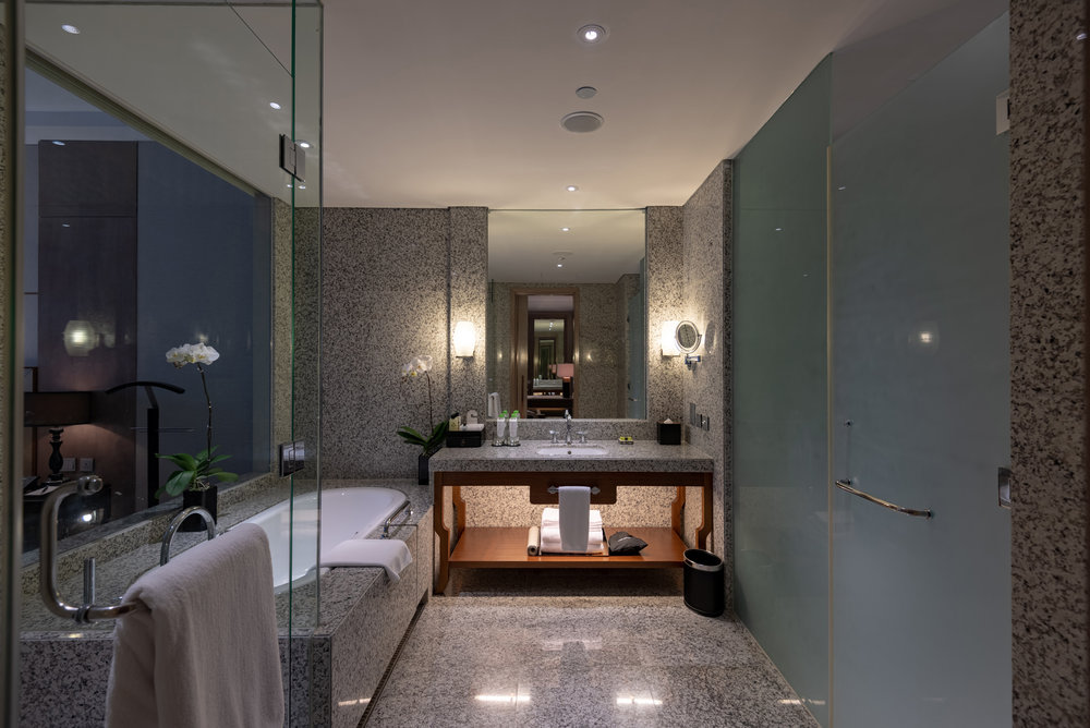 Bathroom  Royal Suite - InterContinental Hanoi Landmark72