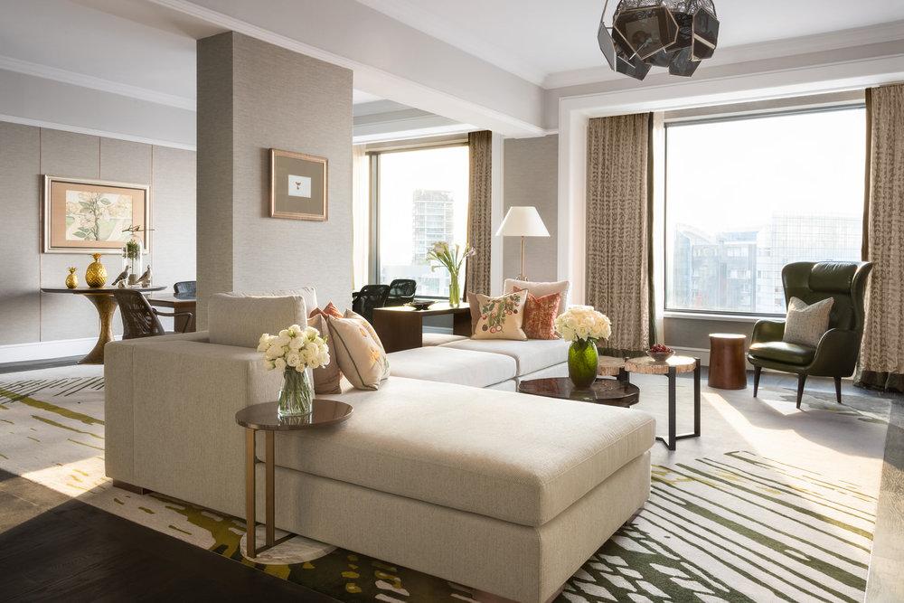 Royal Suite_Living Room.jpg