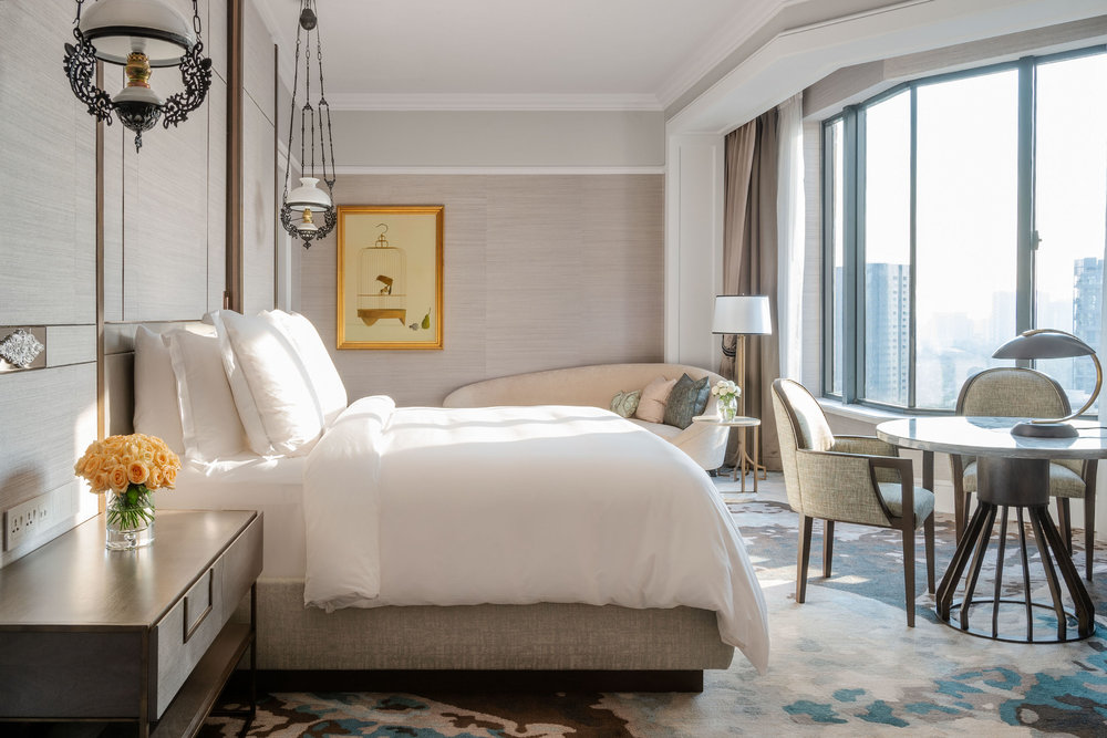 Ambassador Suite_Bedroom.jpg