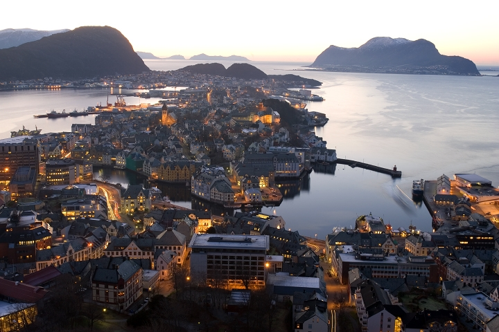 alesund_evening.jpg