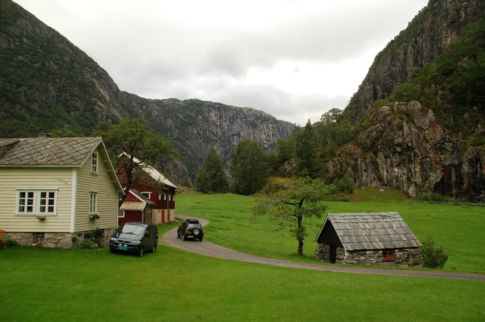 Åkrafjorden, Etne