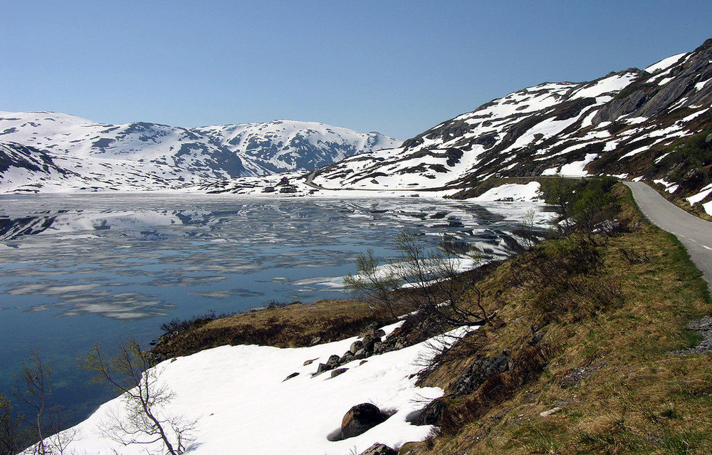Gaularfjellet, May 9th. Photo by Bjørn Andresen / Statens Vegvesen.