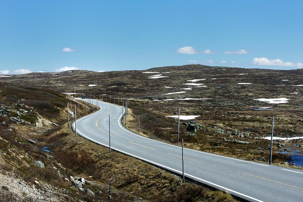 Hardangervidda, June 3rd. Photo by Helge Stikbakke / Statens Vegvesen.