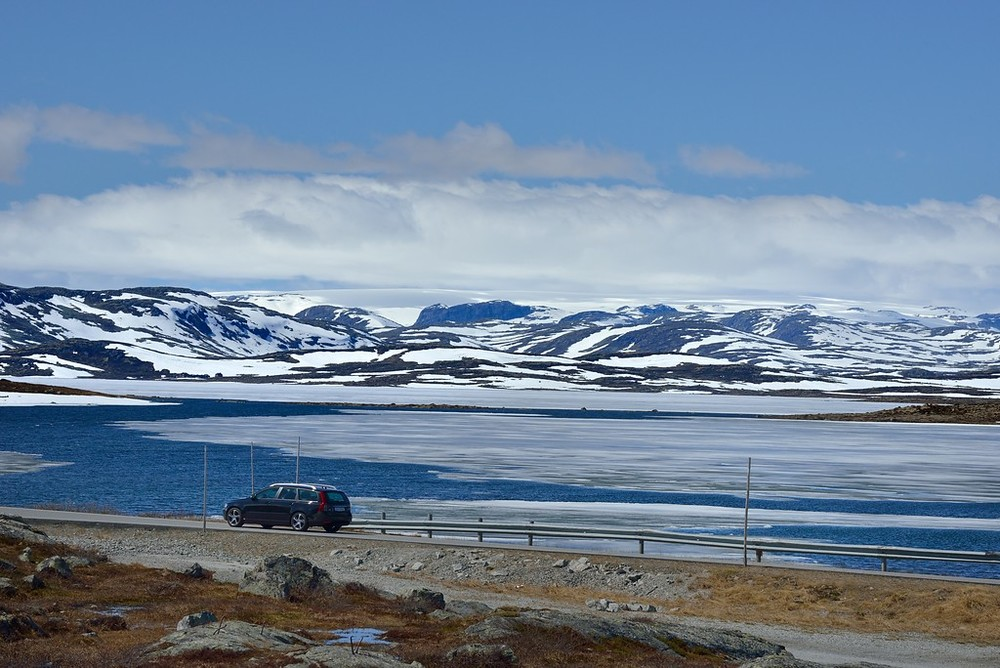 Hardangervidda, June 3rd. Photo by Roger Ellingsen / Statens Vegvesen.