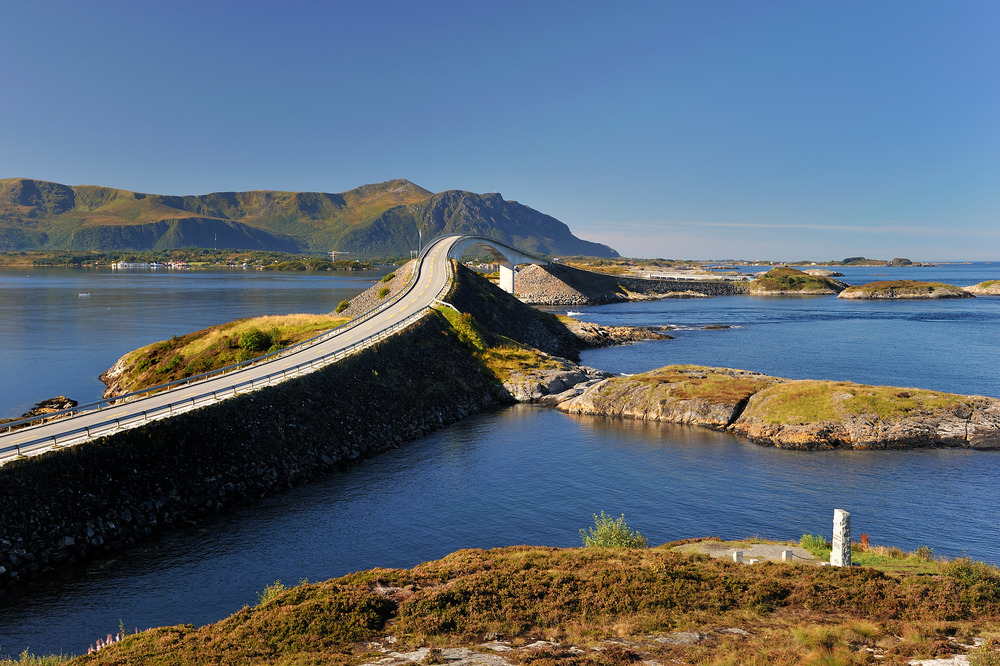Atlantic Road - Atlanterhavsvegen, September 8th. Photo by Roger Ellingsen, Statens Vegvesen.