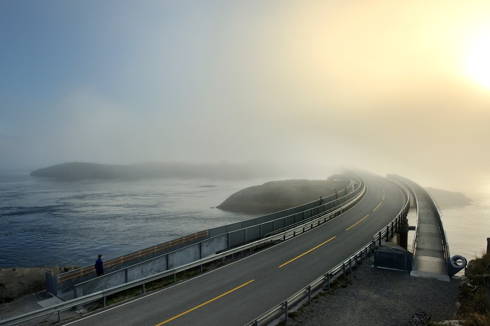 Atlantic Road - Atlanterhavsvegen, September 7th. Photo by Roger Ellingsen, Statens Vegvesen.