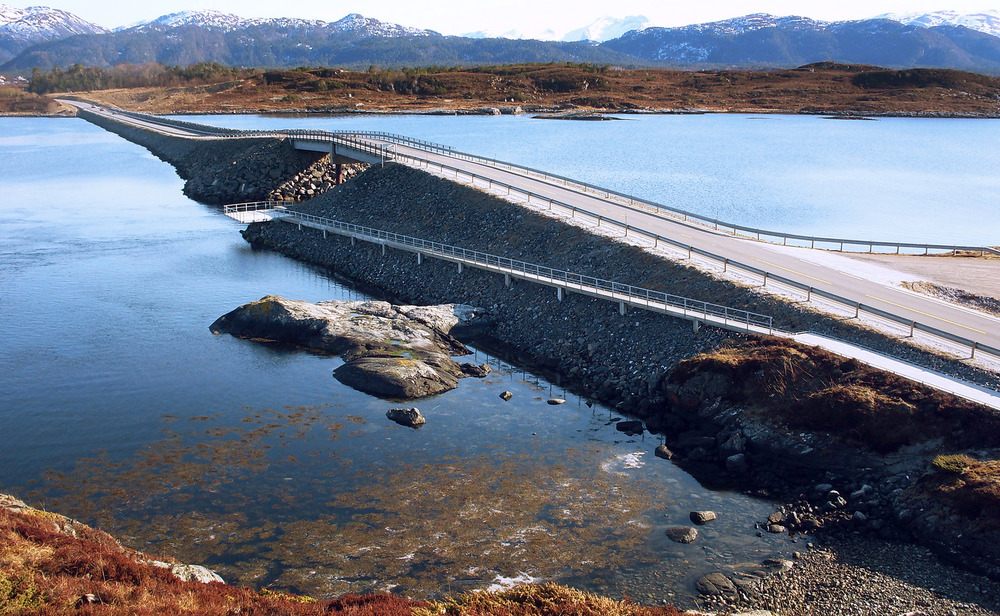 Atlantic Road / Atlanterhavsvegen, April 4th. Photo by Svein Lodve / Statens Vegvesen.