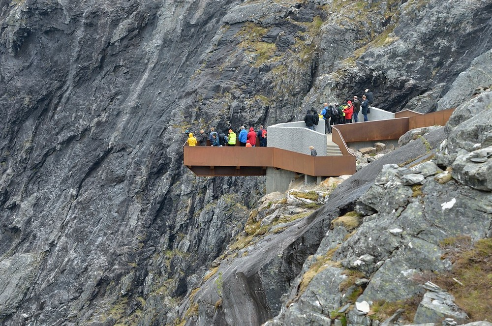 lookout_trollstigen_june15th_12_credit_rogerellingsen.jpg