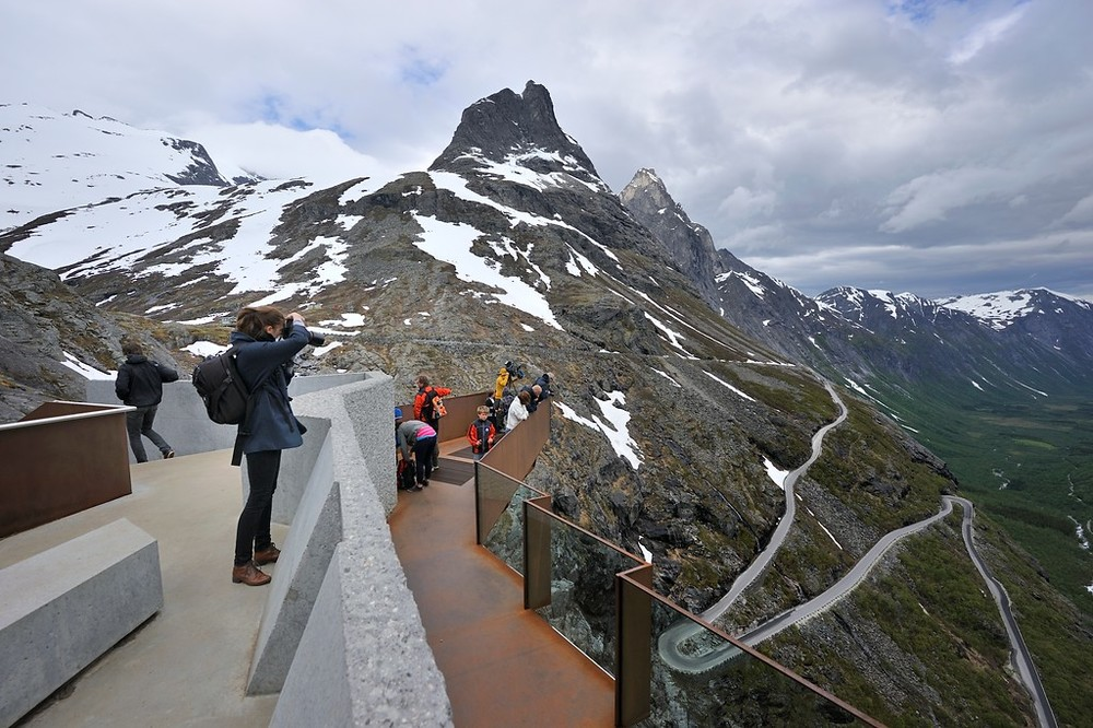 lookout_trollstigen_june15th_13_credit_rogerellingsen.jpg