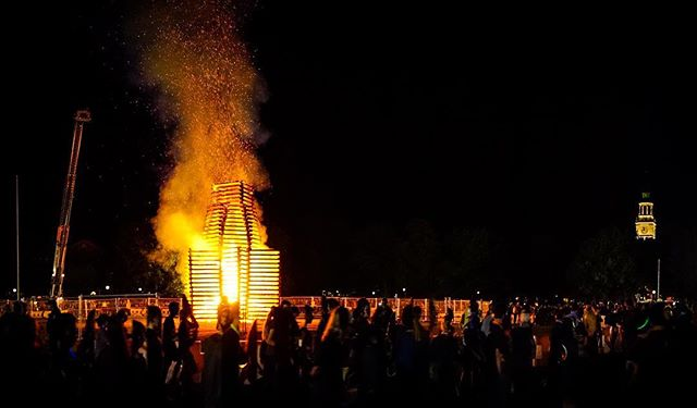 Sometimes I'm not sure if Dartmouth is a school, a summer camp, or a cult. In any case, giant fires are satisfying to look at. #justanotherbonfirepic #homecoming #touchthefire #bestfouryearsofmylife #hibaker