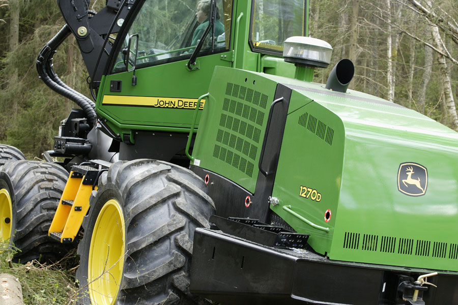 JohnDeere2.jpg