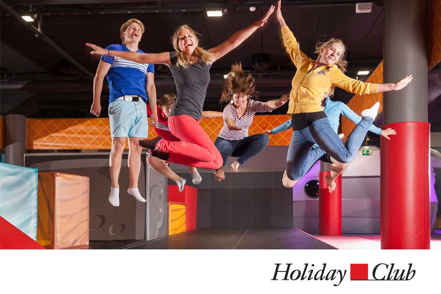 HolidayClub_04.jpg