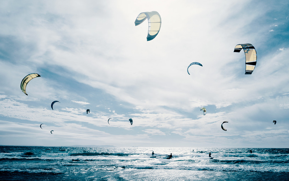 kitesurfers.jpg
