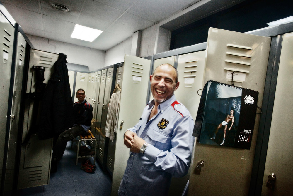 Josep Pujadas, a Mossos de Escuadra agent and member of the gay police association, in the head quarters' dressing room