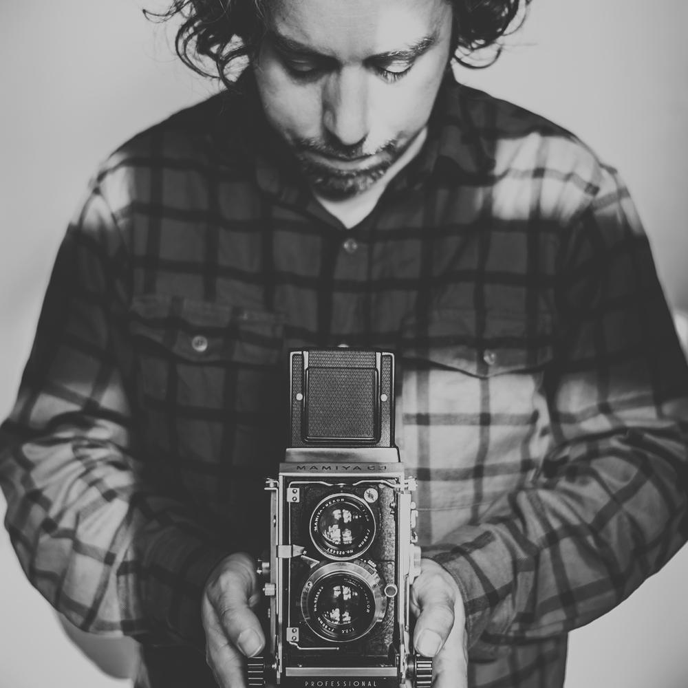 MrMujuPhotographer.jpg
