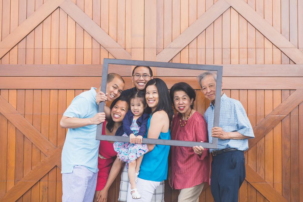 Dechongkit Family-89.jpg